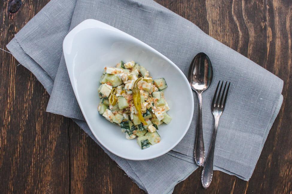 gurkensalat mit feta und pepperoni scharf leicht schnell paprika dressing