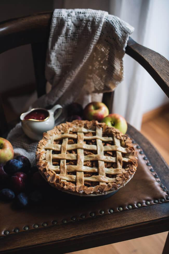 applepie apfelstrudel pie apfelkuchen pflaumensauce mandeln dessert kuchen