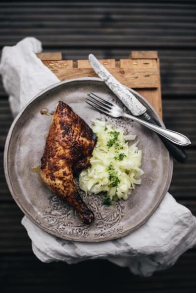 Gebratener Hähnchenschenkel mit Fenchel Orangen Salat lowcarb