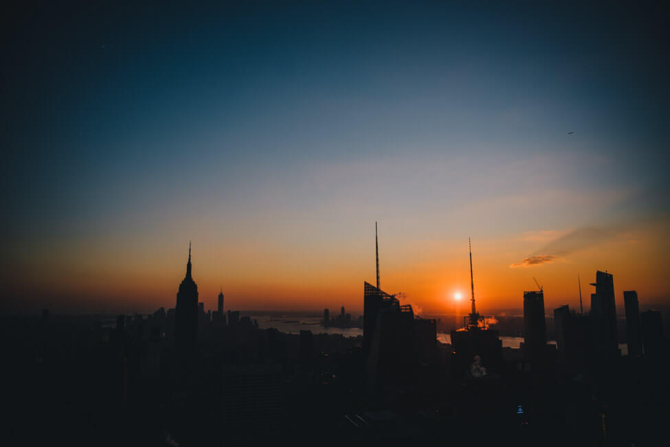Top of the Rock Sunset Empire State Building New York City NYC Skyline Sonnenuntergang