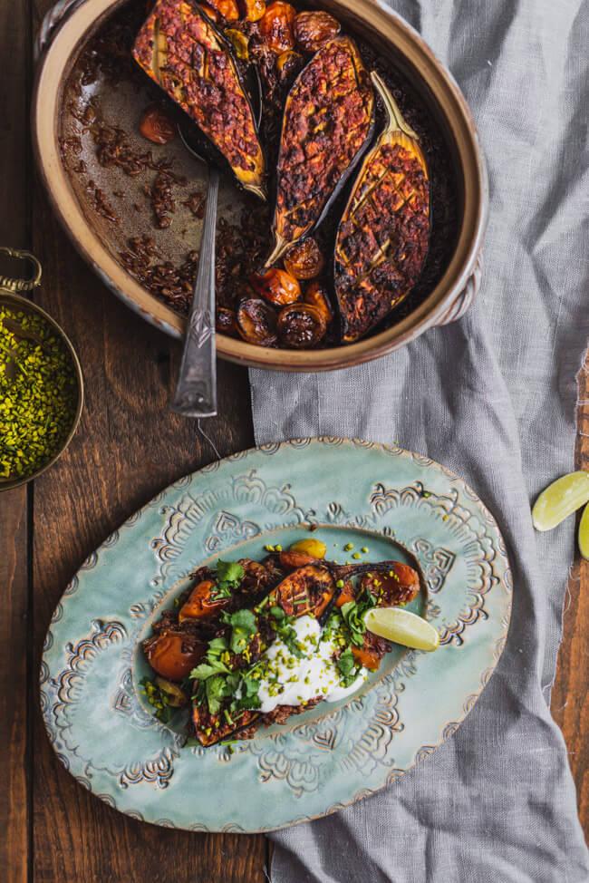 Aubergine ofen Harissa Reis vegetarisch veggie joghurt koriander dip feierabend ofengericht