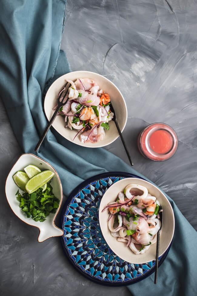 Ceviche Leche de Tigre Tigermilch Kitchen Impossible Rezept Peru Al Toke Pez Tim Mälzer glutenfrei lactosefrei fisch meeräsche wolfsbarsch kalmar garnele kalamar vorspeise limette