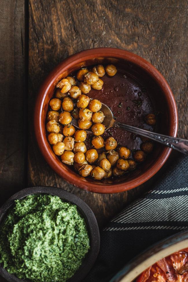 geröstete Kichererbsen Rosmarin Salz Pfeffer vegan Rucola Pesto veggie vegetarisch einfach schnell
