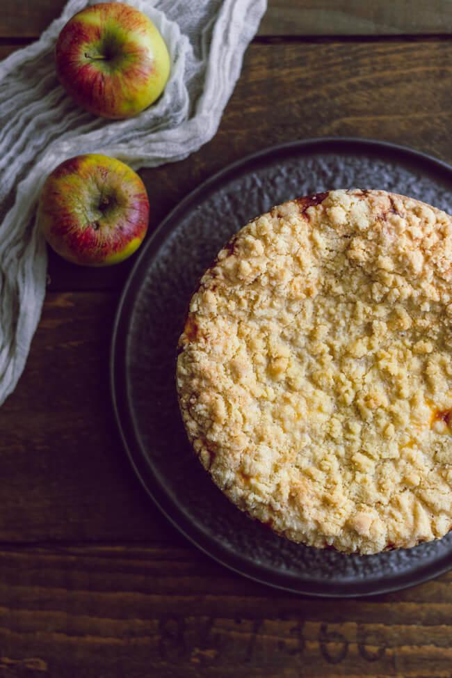 Apfelkuchen mit Quark und Streuseln