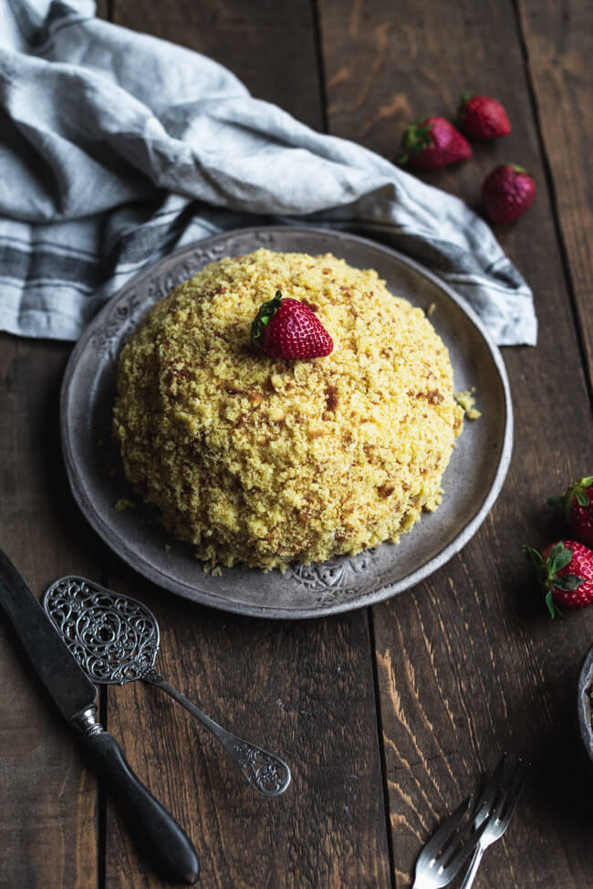 weißer maulwurfkuchen Erdbeeren weiße Schokolade Eierlikör Quark Sahne sommerkuchen torte kuchen