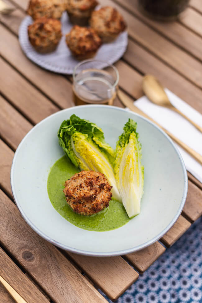 Semmelknödel Muffins mit Salat Salatsauce Salatstrunk IKEA nachhaltigkeit vegetarisch foodwaste altes Brot Ofengericht Sommer schnell einfach Mittagessen Abendessen Resteverwertung