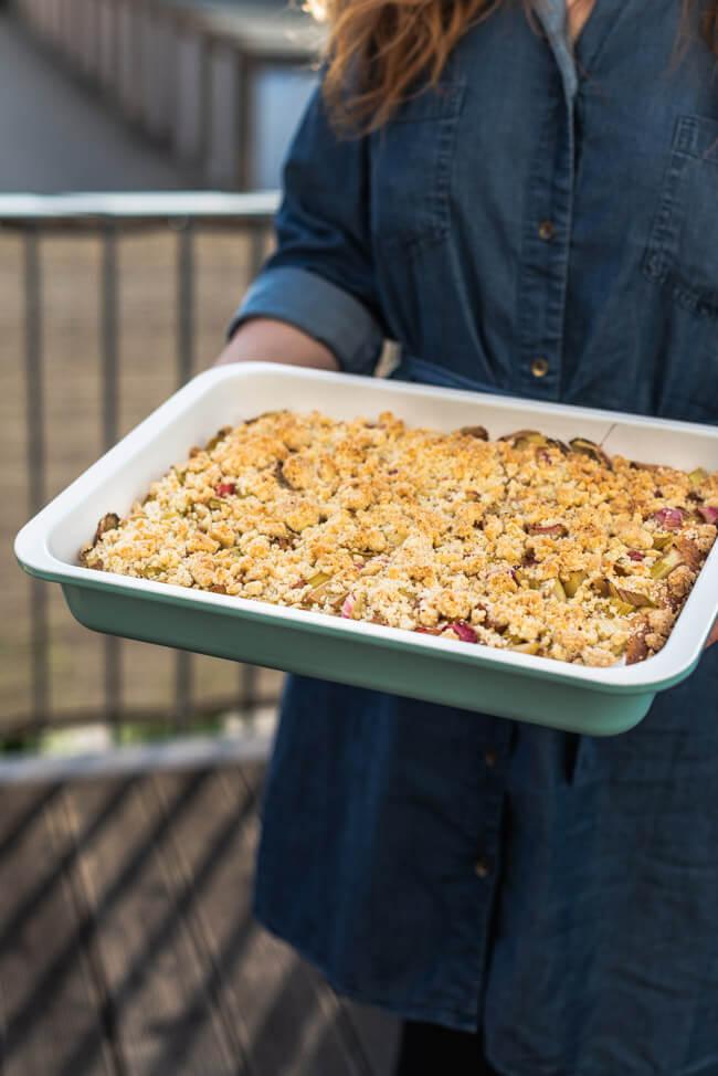 Streusselkuchen Omakuchen Rhabarber Datschi Streußel Blechkuchen Hefeteig einfach Sonntagskuchen