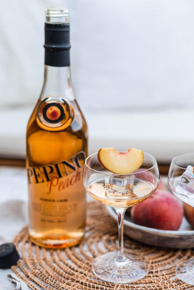 Pepino Peach Likör auf Eis