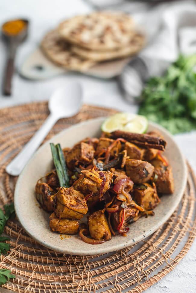 Sri Lanka Ambul Thiyal Thunfisch Curry mit Pandan Zimt Limette