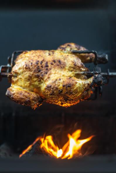 Grillhähnchen Sri Lanka Brathähnchen Curry indisch asiatisch Grillspieß Napoleon Rogue