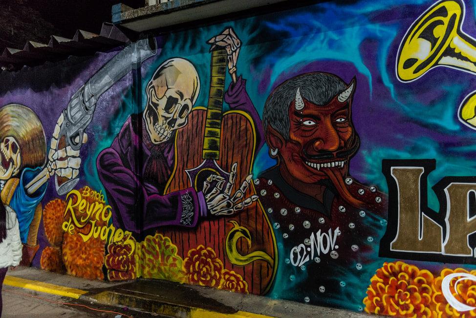 Dia de los Muertos Oaxaca de Juaréz Tag der Toten Mexiko Friedhof Streetart