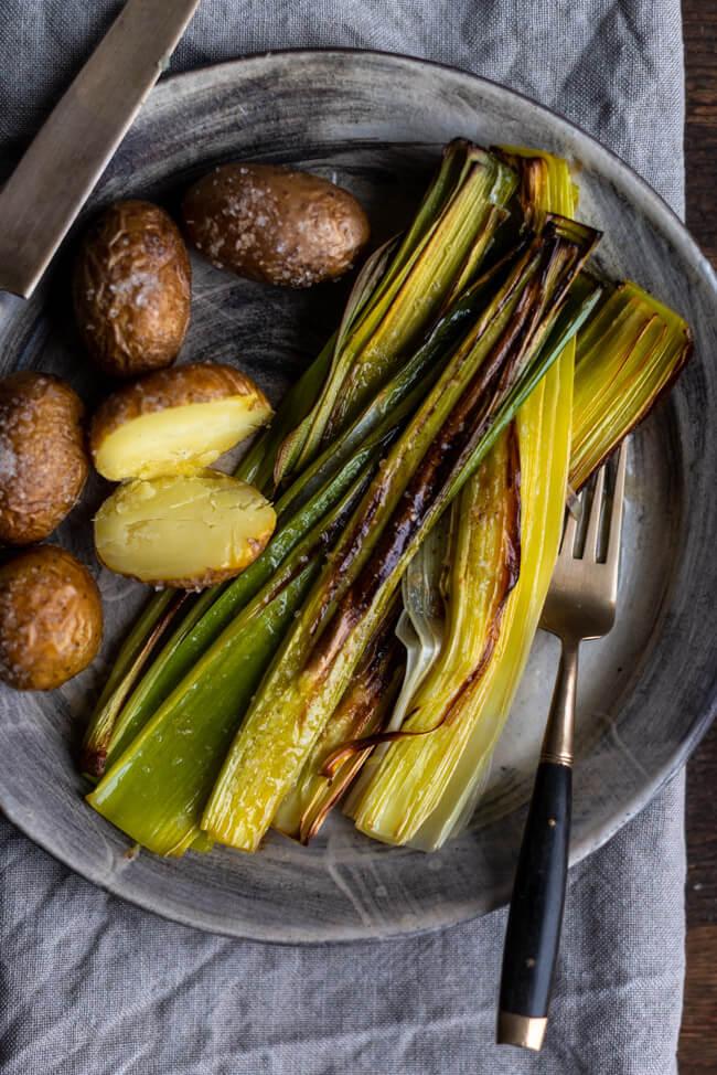 Geschmorter Lauch mit Butter und Kartoffeln aus dem Ofen vegetarisch veggie einfach schnell simpel Feierabend Ofengericht