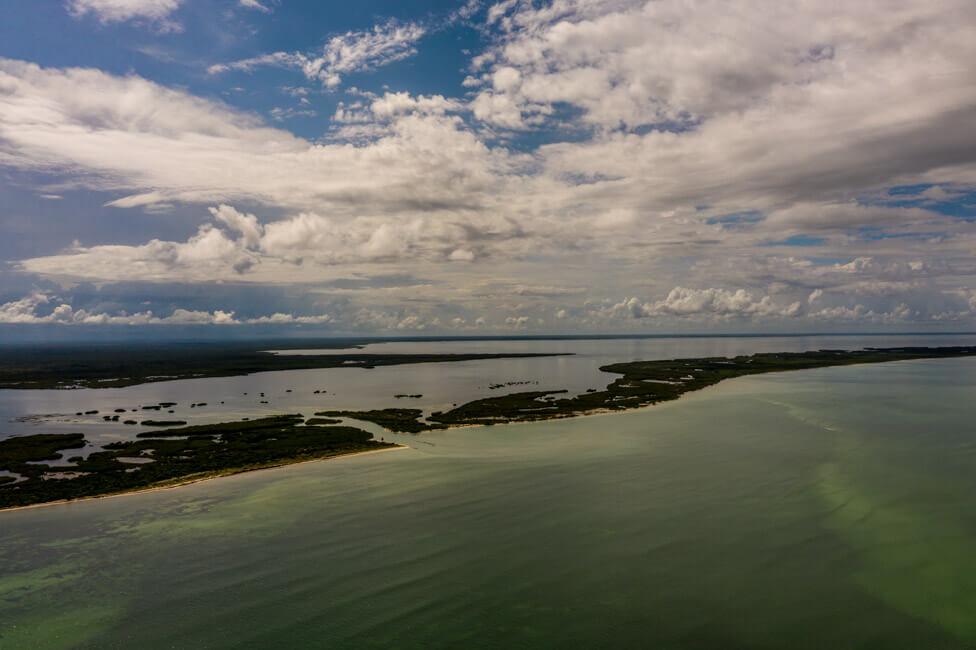 Isla Holbox Mexiko türkisblaues Meer Karibik Cabo Catoche Bootstour Ausflug selbst fischen Ceviche Barsch Angeln Lagune Conil