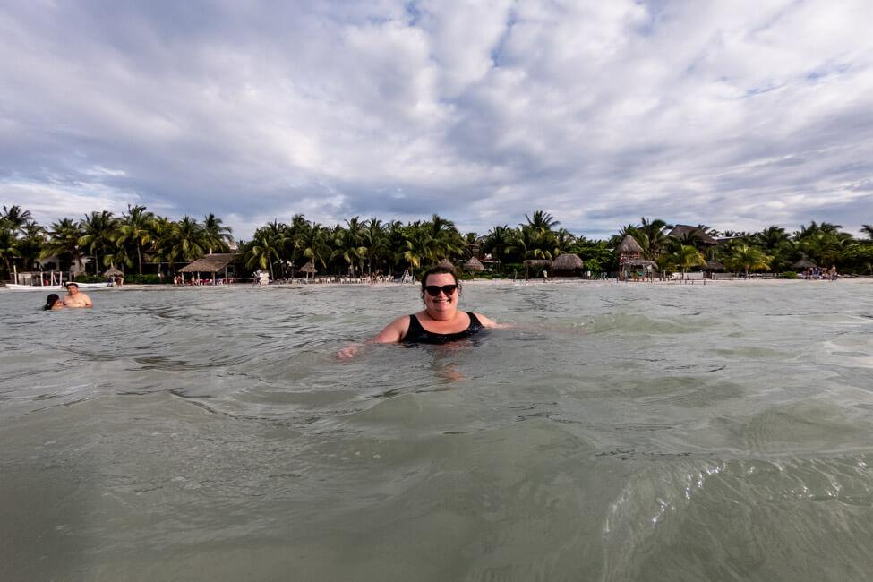 Isla Holbox Mexiko türkisblaues Meer Karibik Baden im Meer