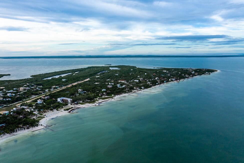 Isla Holbox Mexiko türkisblaues Meer Karibik Drohnenaufnahme Bild von oben Drohne