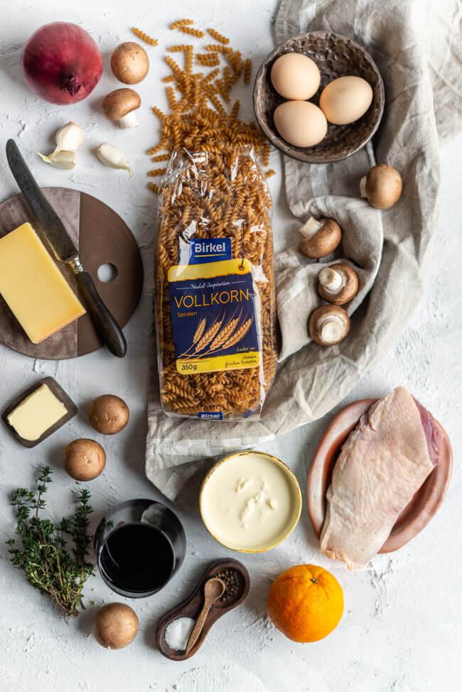 Birkel Nudel-Inspiration Vollkorn Spiralen Nudelnester mit Pilzen und Thymian Bergkäse Entenbrust Rotweinzwiebeln mit Orange Geflügel Winter fancy besonders pimp my pasta aus 1 mach 2