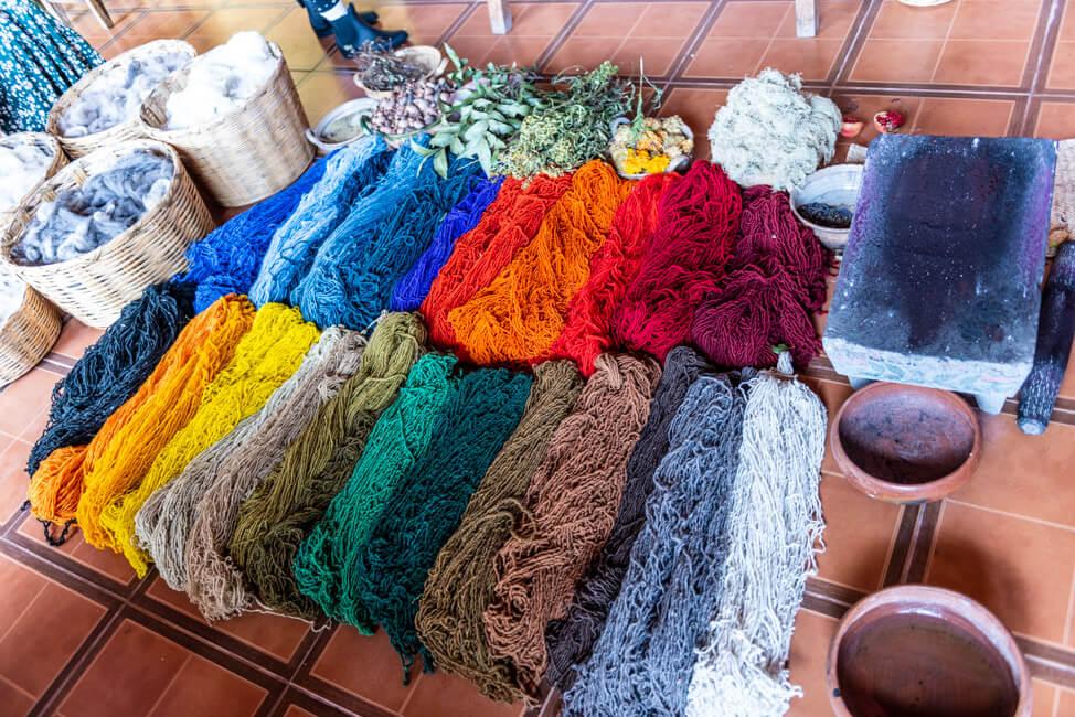 Oaxaca de Juaréz Mexiko Taller Casa Collin Teotitlán natürliche Farben Weberdorf Wolle