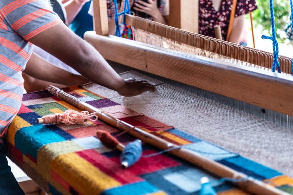 Oaxaca de Juaréz Mexiko Taller Casa Collin Teotitlán natürliche Farben Weberdorf Wolle weben teppich