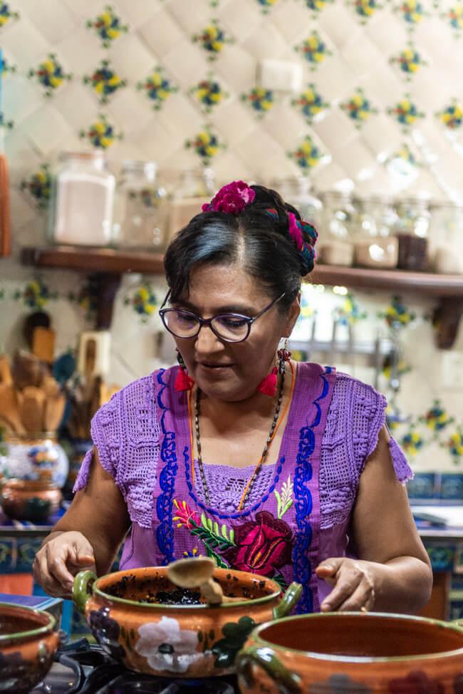 Oaxaca de Juaréz Mexiko Alma de mi Tierra Kochkurs cooking class Nora Mole Negro
