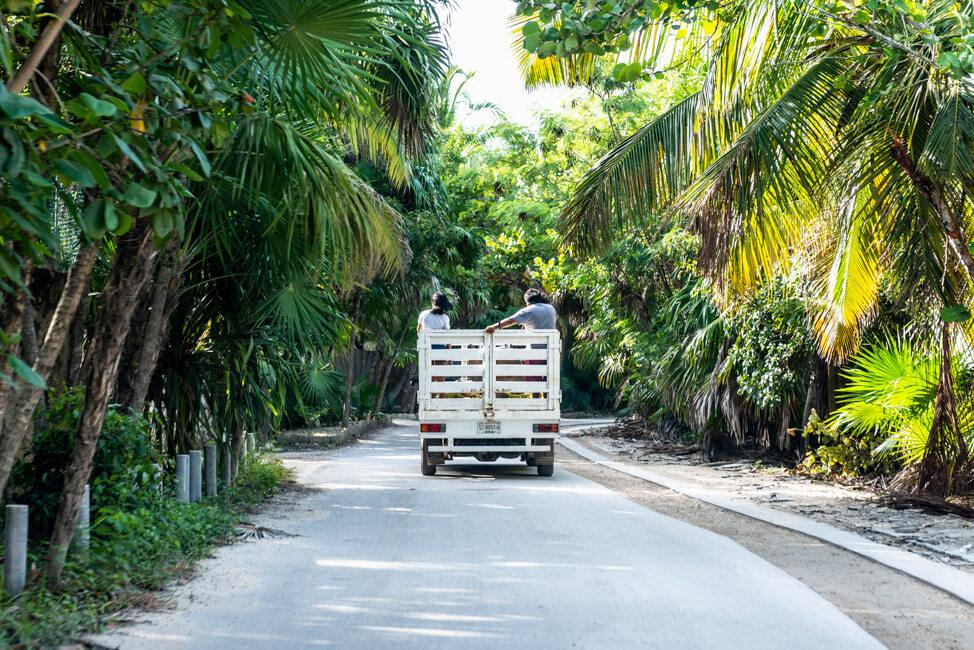Tulum Truck Menschen