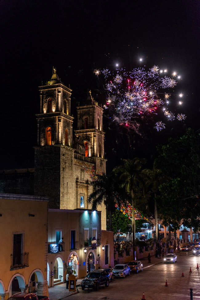 Valladolid Zentrum Kirche Kathedrale Iglesia de San Servacio Feuerwerk