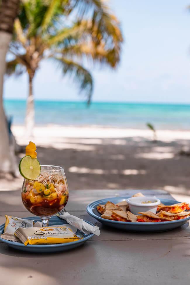 Punta Allen Sian Ka´an Nationalpark Meer Strand Traumstrand Palmen Mittagessen Shrimpscocktail Quesadillas