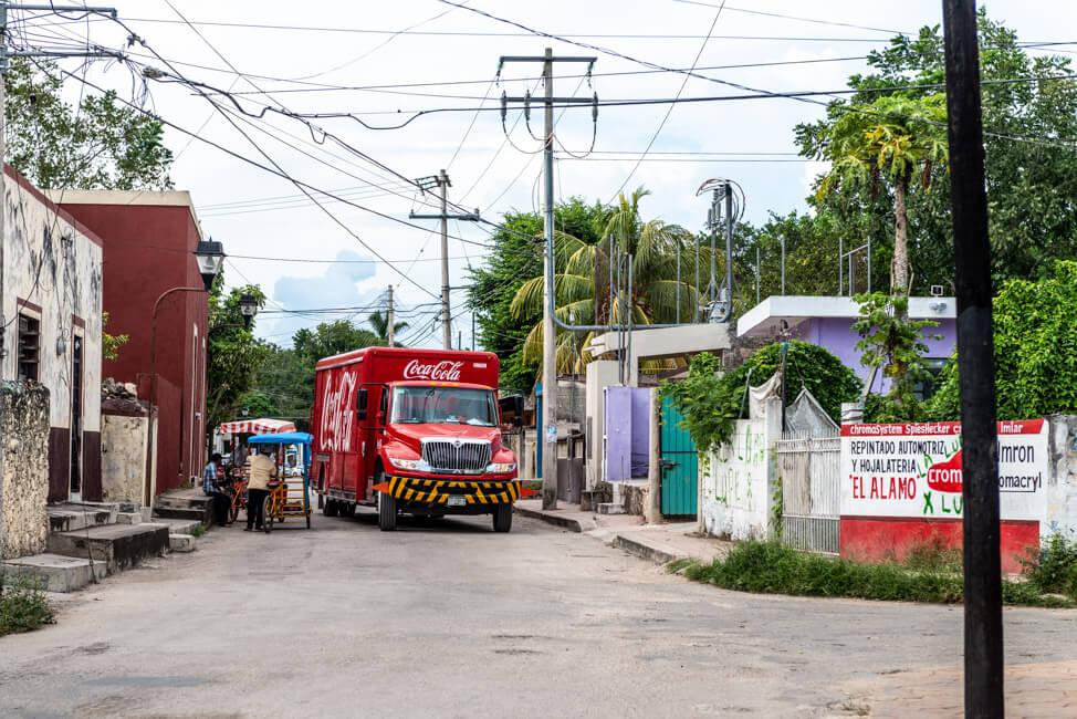 Mexiko Valladolid Zentrum Coca Cola Truck