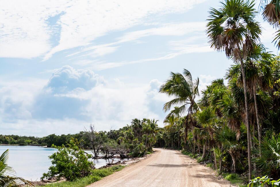 Straße nach Punta Allen Sian Ka´an Nationalpark Lagune Meer