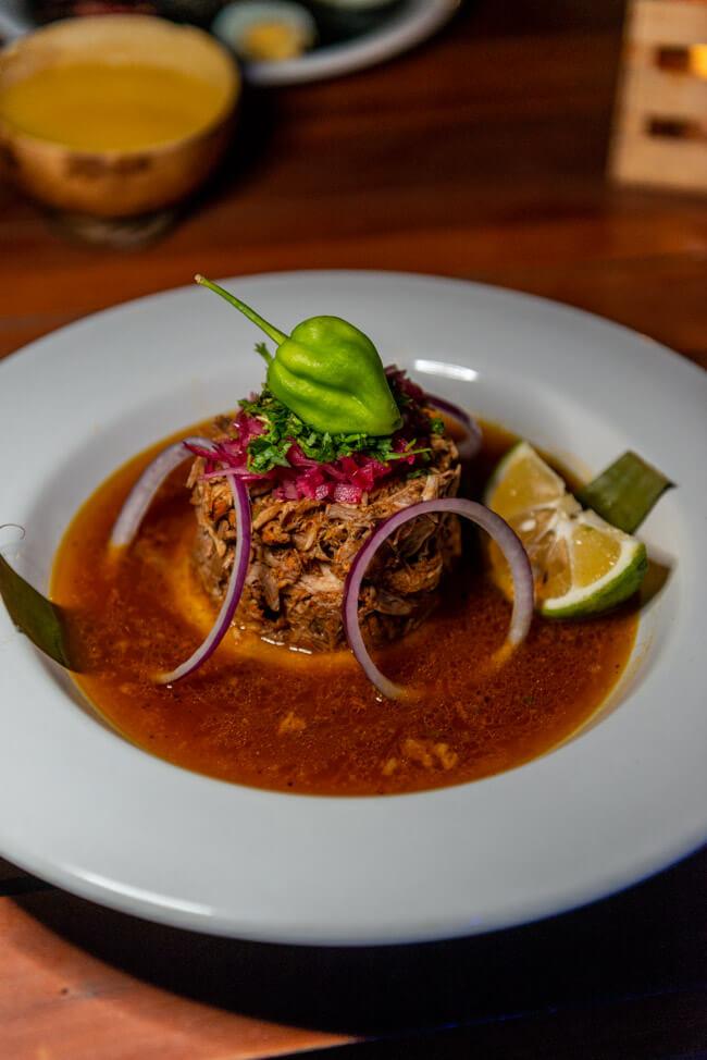 IX CAT IK Mayan Cuisine Valladolid Zentrum Cochinita Pibil