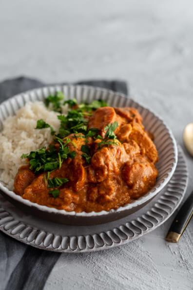 Indisches Butter Chicken Curry Indian indisch Indien Hähnchen Curry Erdnussbutter Basmati Reis FEierabend Eintopf cremig würzig Garam Masala