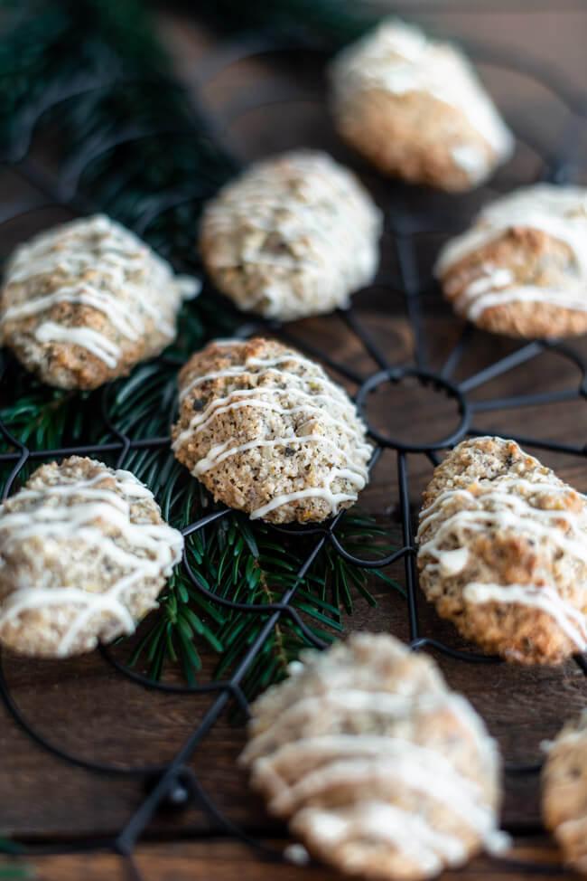 Orangenmakronen mit Zimt Resteverwertung Weihnachtsplätzchen Plätzchen Makronen glutenfrei Marzipan Nüsse Kerne einfach backen