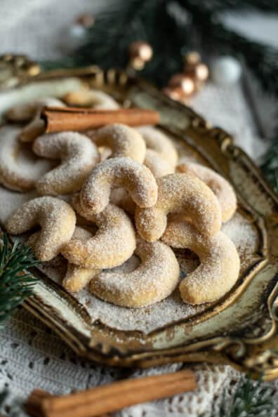 Zimtkipferl Kipferl Zimt Weihnachtsplätzchen einfach eifrei ohne Ei Zimtzucker Weihnachten Xmas backen Plätzchen Kekse Christmas backen für Anfänger