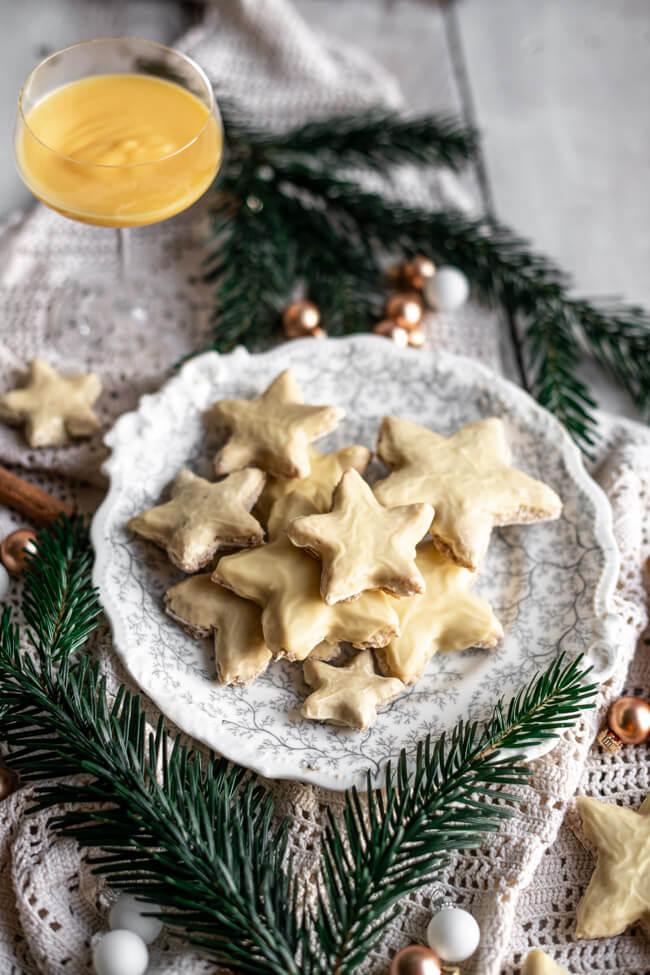 Zimtsterne mit Eierlikör Glasur Mendelplätzchen Weihnachtsplätzchen Plätzchen backen für Anfänger Alkohol ohne Mehl glutenfrei