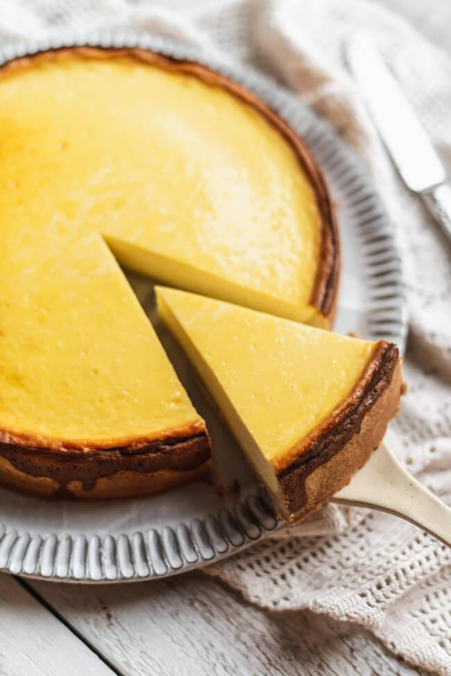 Der perfekte Käsekuchen cremig Cheesecake Kuchen backen einfach Tipps und Tricks Schritt für Schritt erklärt Sonntagskuchen ohne Aroma ohne Puddingpulver