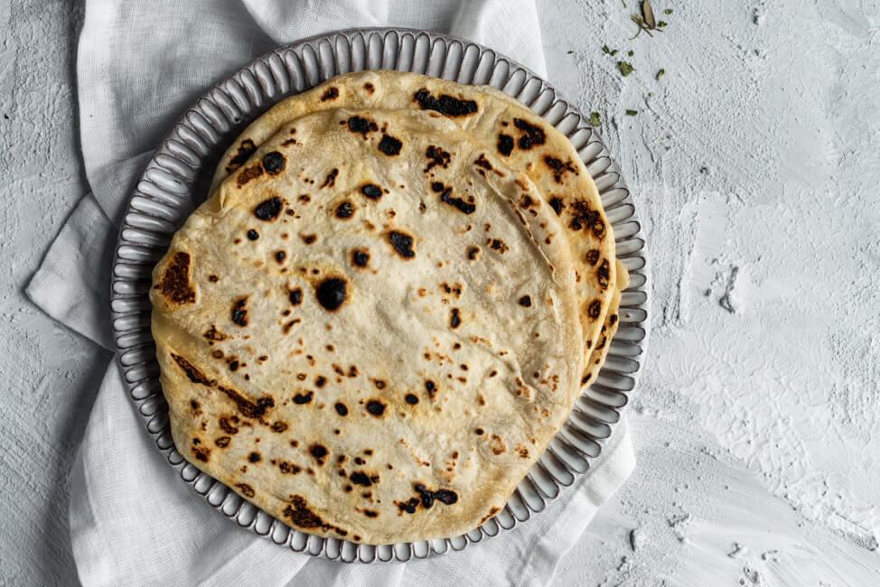 Roti Fladen Naan Brot aus Kitchen Impossible Weizenmehl Fladen Indien Indisch Tim Mälzer Jan Hartwig VOX