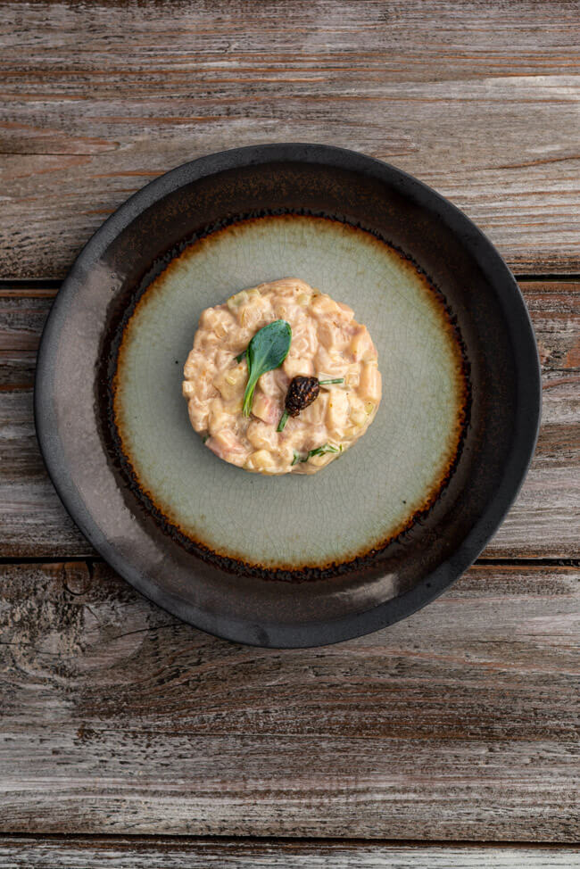 Stör Tatar Mayonnaise Austernblätter Kaviarmiso Schalotte Kohlrabi
