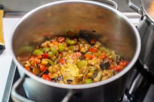 Gebratenes Gemüse für Bulgur.