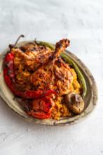 Türkischer Grillteller: Hähnchenkotelett mit Bulgur und gegrilltem Gemüse aus Kitchen Impossible.