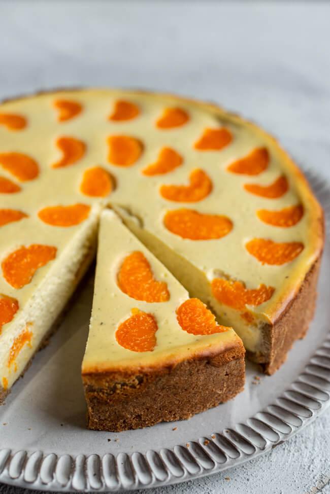 Fruchtiger Käsekuchen mit Mandarinen und Vollkornboden.